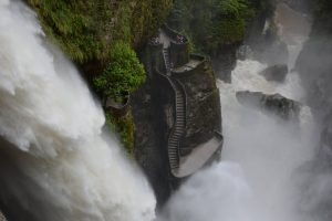 Road Trip Baños - Ecuador Back Packing